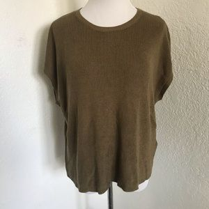 Olive green knitted boxy top